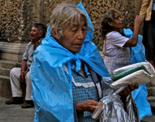 Plastic rain capes vendor