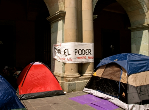 2 tents under the portales of the Governor's Palace