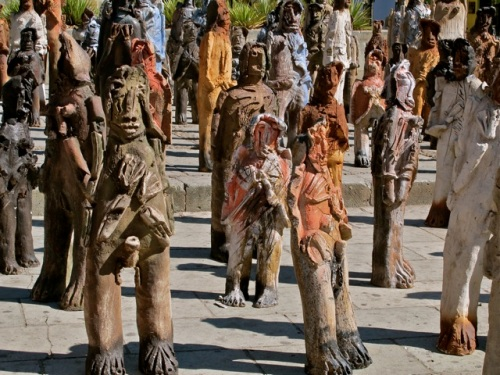 Ceramic sculptures of immigrants