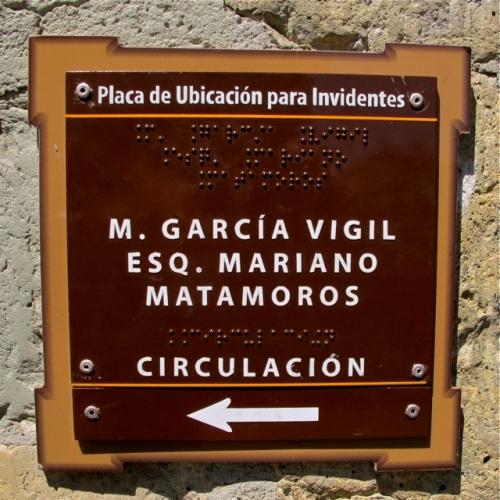 M. Garcia Vigil; Esq. Mariano Matamoros; Circulacion <--