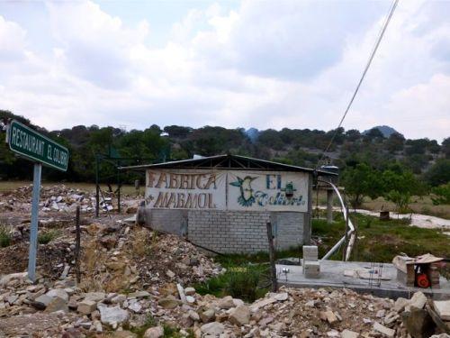 """cement block building """"Fabrica Marmol"""" """"El Colibrí"""""""
