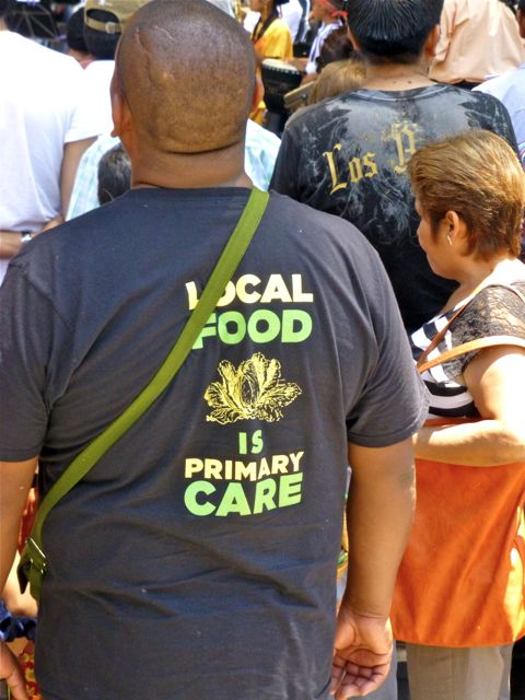 "T-shirt ""Local food = primary care"""