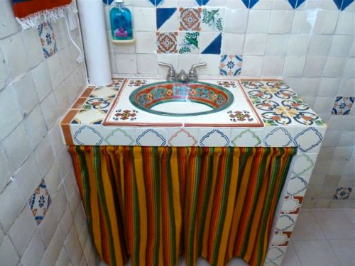 Talavera bathroom sink and counter