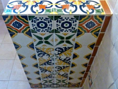 Side of talavera counter