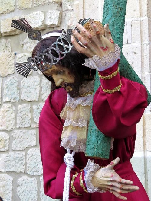 Jesús con la Cruz a Cuestas - Capellanía de Nuestra Señora del Patracinio
