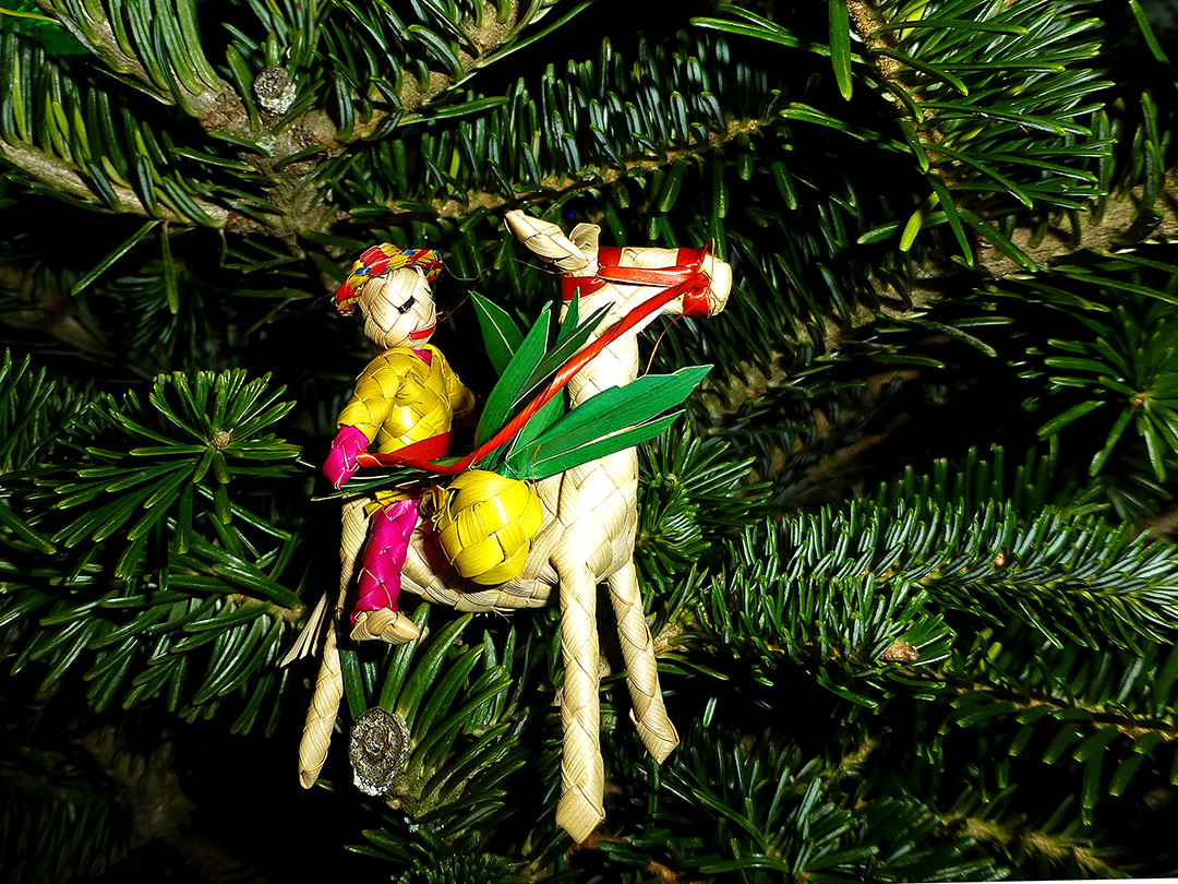 Palm leaf horse & rider ornament
