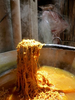 Vat of the natural dyestuff, bejuco (dodder).