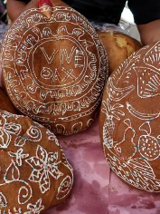 Pan de Muertos at the Feria del Pan y el chocolate in Oaxaca city - October 31, 2017